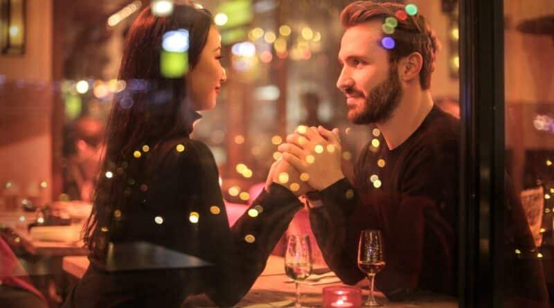 Fünf Gesprächsthemen für das erste Date